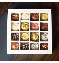 Конфеты (16 штук, 8 вкусов- белая упаковка)